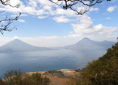 Brouillard Panajachel Lac Atitlan - Guatemala mars 2009