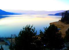 Ciel Plovdiv Lever de soleil sur le lac Batak