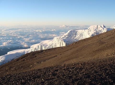 Glaces du Kilimanjaro au petit matin