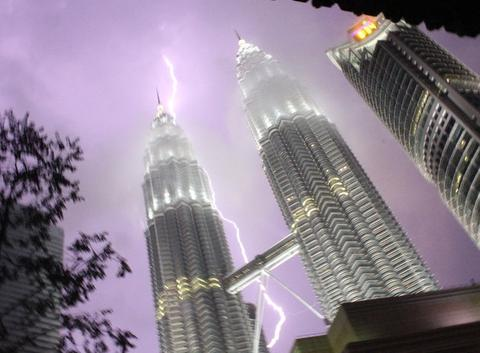 Orage - Petronas Twin Towers