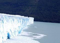 Plaque glaciere qui se detache PERITO MORENO