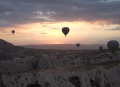 Lever du soleil sur la Cappadoce et vol de mongolfières