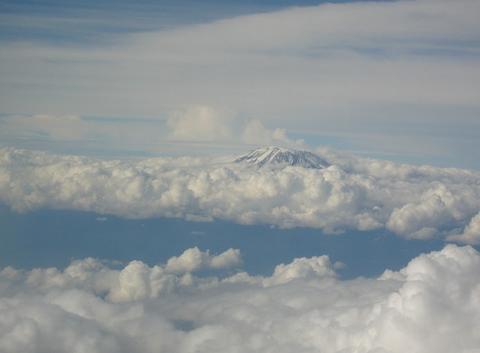 Kilimanjaro dans les nuages