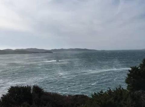 Beaucoup de vent d'Est au Cap des Mèdes