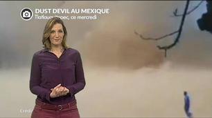 Vidéo Enorme tourbillon de sable au Mexique