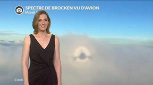 Vidéo Incroyable spectre de Brocken filmé d'avion